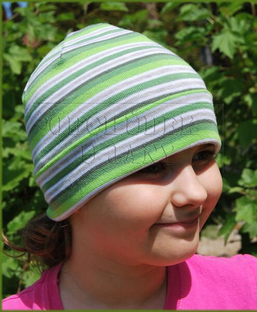 Čepice ohrnovací zelený pruh