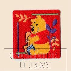 Nažehlovací aplikace Disney - Medvídek Pů červený