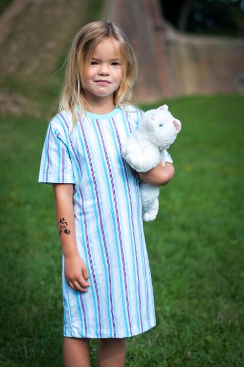Dívčí noční košilka pruhovaná